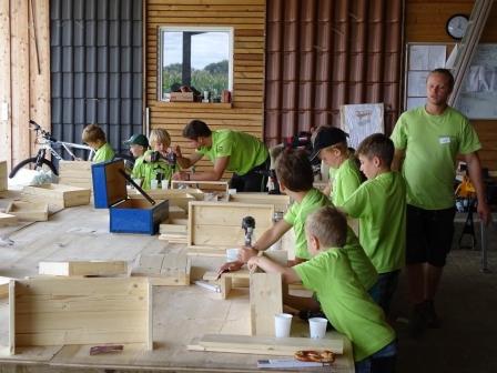 Sommerferienprogramm – Wir basteln einen Schreibtisch-Organizer