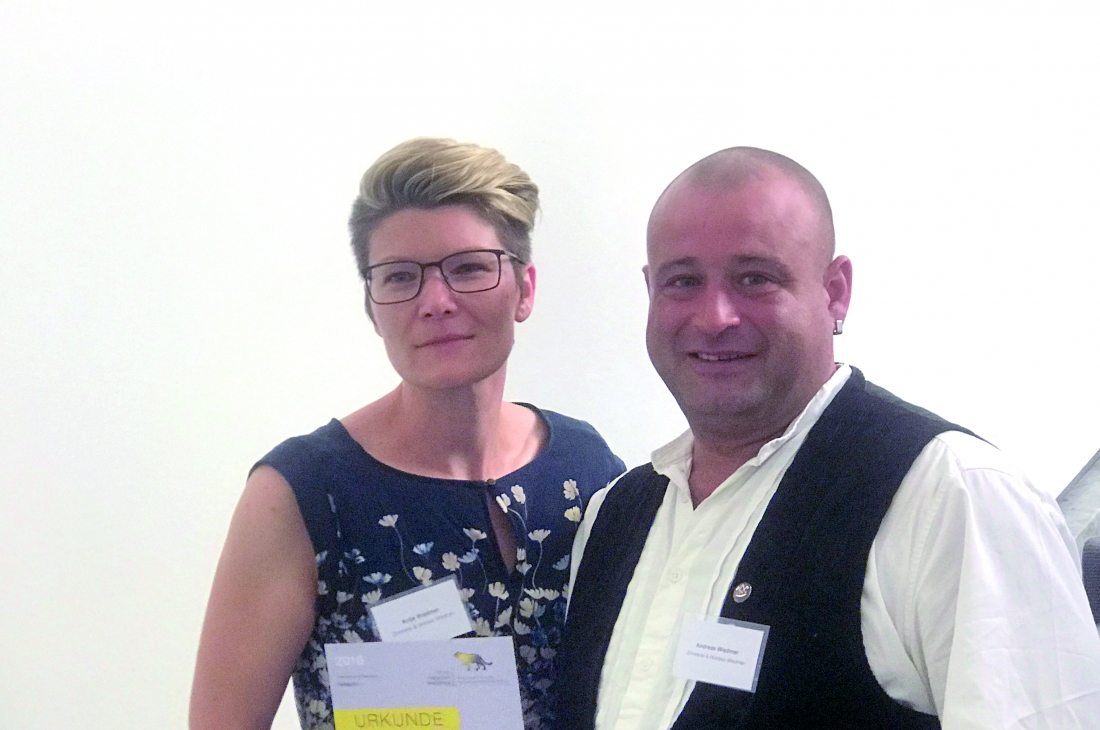 Zimmerei & Holzbau Wiedmer als sozial engagiertes Unternehmen ausgezeichnet